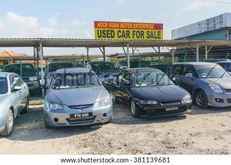 Kota Kinabalu Sabah Malaysia - Feb 24, 2016 :  Various types of used car on display at Kota Kinabalu Sabah. The public react recently, to gavorment's proposal to dispose car above 20 years old.  - stock photo