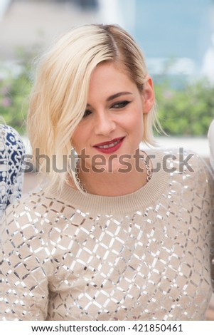 Kristen Stewart at the photocall for 'Personal Shopper' at the 69th Festival de Cannes.