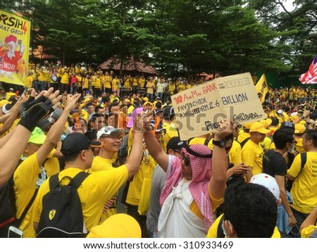 Kuala Lumpur, Malayia 29 August 2015 : Arab dressed supporter displays for Bersih 4 Rally for Free Fair Elections. Bersih has organized Rallies 29 and 30 August 2015 in Major cities around Malaysia