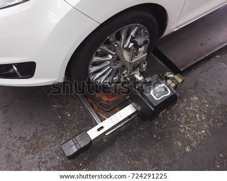 Bald Tire Stock Images Royalty Free Images Vectors Shutterstock