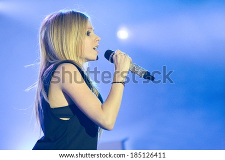 LA COURNEUVE, FRANCE - SEPTEMBER 16, 2011 : Canadian singer Avril Lavigne at the concert of Fete de l'hummanite at la Courneuve in France near Paris.