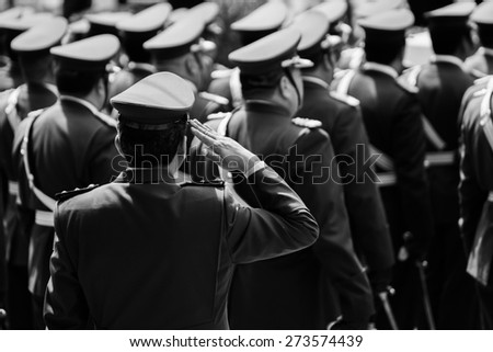 LA PAZ, BOLIVIA [DIA DEL MAR] March 23, 2015: Soldiers saluting while the dia del mar in bolivia commemorating the loss of the sea to chile - stock photo