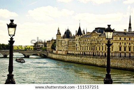 La Seine in Paris La Seine in Paris - stock photo