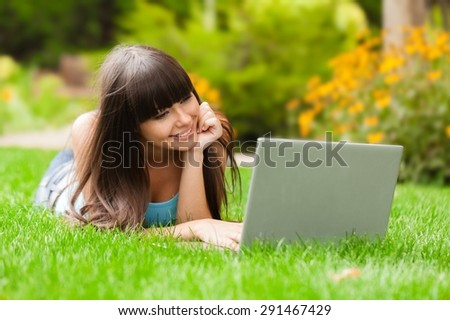 Laptop, Using Laptop, Outdoors.