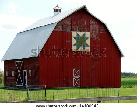 Barn Quilt Art and murals in Iowa - YouTube