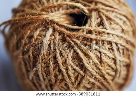 Large : roll of natural brown rope