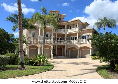Large tropical beach house in florida