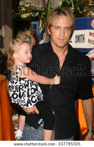 """Larry Birkhead and daughter Dannielynn Smith  at the Grand Opening of """"The Simpsons Ride"""". Universal Studios Hollywood, Universal City, CA. 05-17-08 - stock photo"""