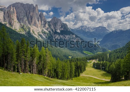 Larsec group, part of the greater Catinaccio mountain massif in the Dolomites as seen from the trail to Gardeccia refuge on the way to Vajolet refuge, Dolomites, Alto Adige, South Tyrol, Italy