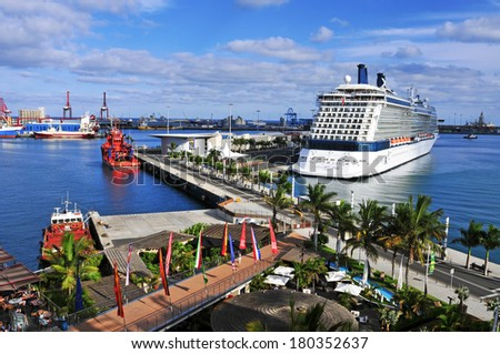 Las palmas spain october 13 cruise stock photo royalty free 180352637 shutterstock - Port of las palmas gran canaria ...