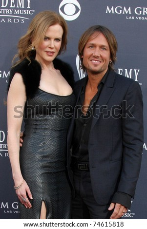 LAS VEGAS - APR 3:  Nicole Kidman, Keith Urban arrive at the Academy of Country Music Awards 2011 at MGM Grand Garden Arena on April 3, 2010 in Las Vegas, NV.