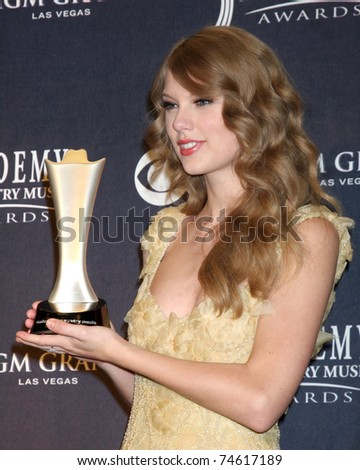 LAS VEGAS - APR 3:  Taylor Swift in the Press Room at the Academy of Country Music Awards 2011 at MGM Grand Garden Arena on April 3, 2011 in Las Vegas, NV. - stock photo