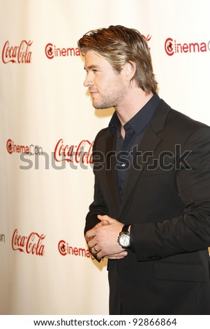 LAS VEGAS - MAR 31: Chris Hemsworth arriving at the CinemaCon awards ceremony at the Pure Nightclub at Caesars Palace in Las Vegas, Nevada on March 31, 2011.