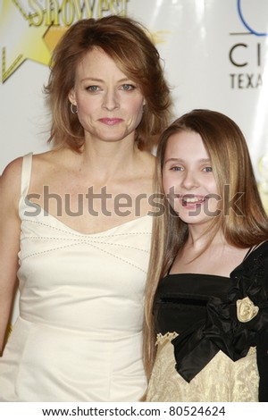 LAS VEGAS - MAR 13: Jodie Foster; Abigail Breslin at the 2008 ShoWest Awards held at the Paris Hotel in Las Vegas, Nevada on March 13, 2008.