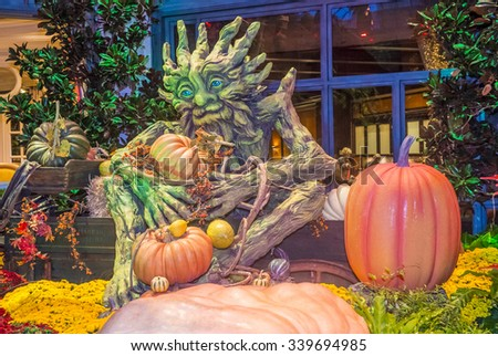 LAS VEGAS - OCT 15 : Fall season in Bellagio Hotel Conservatory & Botanical Gardens on October 15 , 2015 in Las Vegas. There are five seasonal themes that the Conservatory undergoes each year.