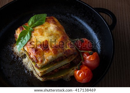 Lasagna with grilled tomatoes