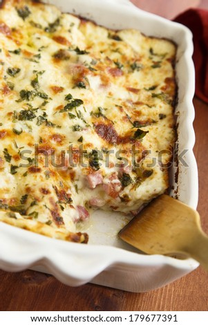 Lasagna with ham and cheese