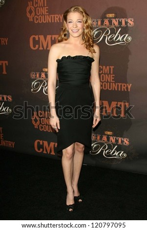 LeAnn Rimes at the CMT Giants honoring Reba McEntire. Kodak Theatre, Hollywood, CA. 10-26-06