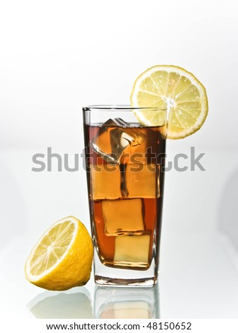 lemon ice tea in tall glass
