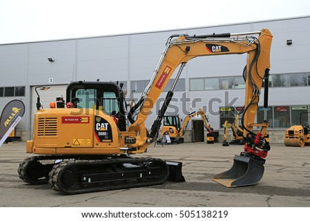 Caterpillar Equipment Stock Photos, Royalty-Free Images & Vectors ...