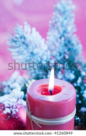 lighting Chrismas candle
