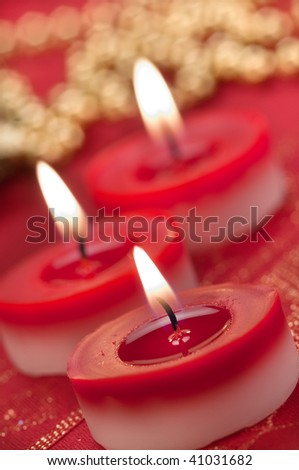 lighting Chrismas candles