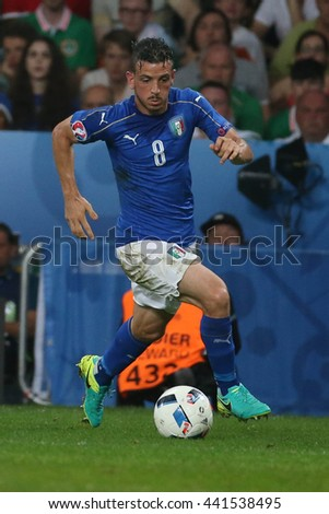 LILLE - FRANCE,  JUNE 2016 : Florenzi in action during  football match  of Euro 2016  in France between  Italy vs Irland at the  Stade Pierre Mauroy  on June 22, 2016 in Lille.