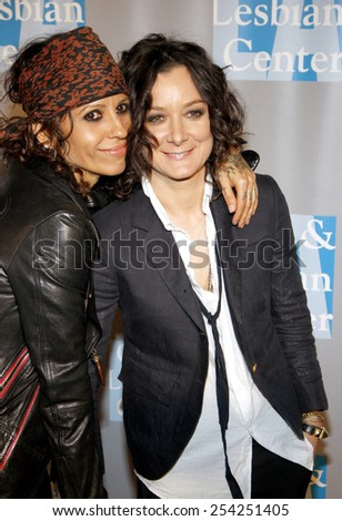 """Linda Perry and Sara Gilbert at the L.A. Gay & Lesbian Center's """"An Evening With Women"""" held at the Beverly Hilton Hotel in Los Angeles, California, United States on May 19, 2012. - stock photo"""