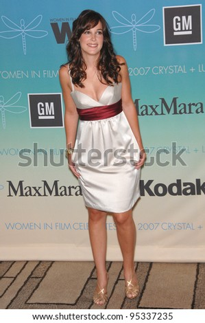 Lindsay Sloane at the Women in Film 2007 Crystal + Lucy Awards at the Beverly Hilton Hotel. June 15, 2007  Beverly Hills, CA Picture: Paul Smith / Featureflash