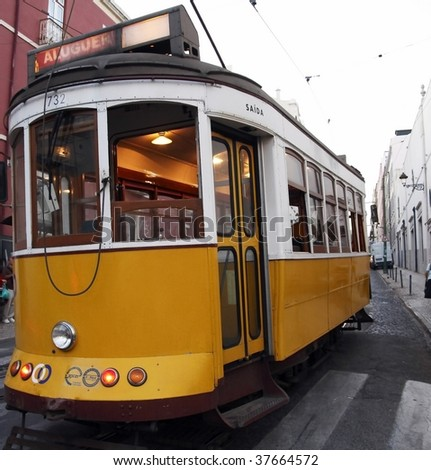 Lissabon tram - stock photo
