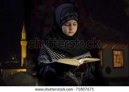 Little girl praying - stock photo