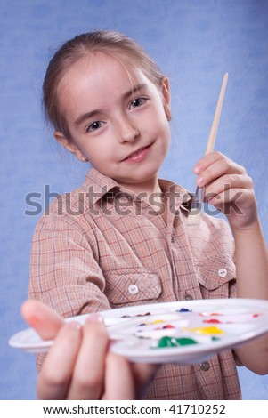Little painter give palette to