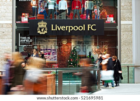 LIVERPOOL UK, 13th NOVEMBER 2016. People Christmas shopping at the Liverpool Football Club store in Liverpool city center.