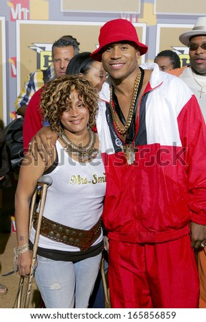 LL Cool J, Wife Simone Smith at VH1 Hip Hop Honors Awards, The Hammerstein Ballroom, New York, NY, September 22, 2005