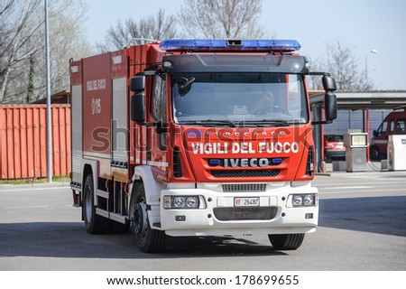 Fire Engine Front Stock Photos Images Pictures Shutterstock