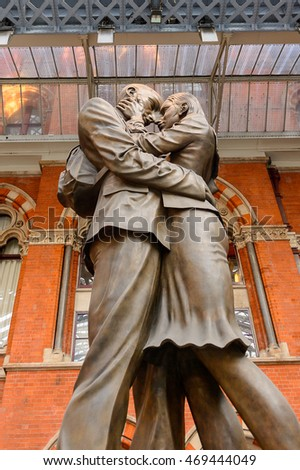 LONDON, ENGLAND - JULY 22, 2016: Paul Day's sculpture The Meeting Place, St Pancras railway station, a central London railway terminus. Famous by the Eurostar services to continental Europe