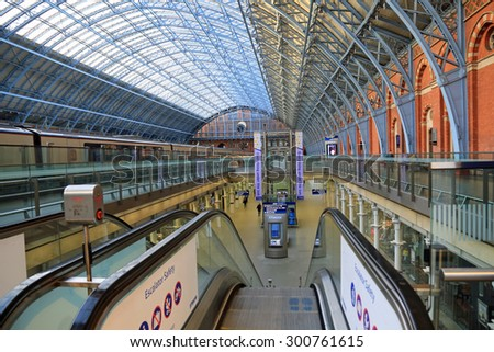 LONDON,ENGLAND - JUNE:  St. Pancras Station on June 1, 2015 in London, England.  The St. Pancras Station is the main train terminal for Eurostar train departures from London to the European continent.