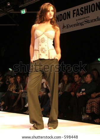 London Fashion Week S/S 06. A piece from Amanda Wakeley Collection. Model Rosie Huntington-Whiteley - stock photo