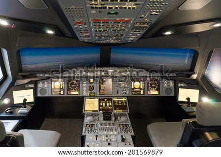 LONDON - JUNE 25 : Airbus A-380-800 flight simulator in London on June 25, 2014