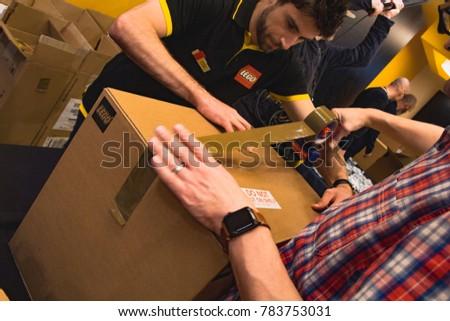 London Uk 130917 Employee Lego Store Stock Photo 783753031 ...