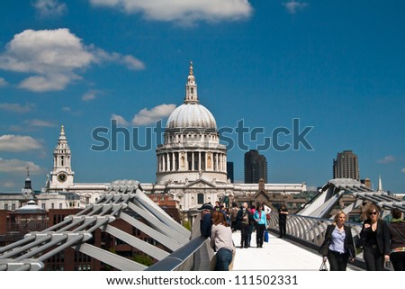 LONDON, UK -APRIL 29: St.Paul's Cathedral, one of London's most famous buildings on April 29, 2009 in London.