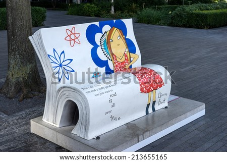 LONDON, UK - AUGUST 22 : Clarice Bean Bookbench in London on August 22, 2014