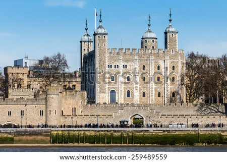 LONDON/UK - MARCH 7 : View of the Tower of London on March 7, 2015. Unidentified people.