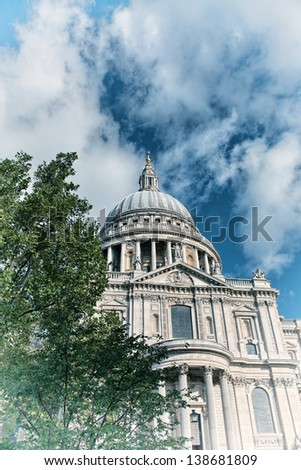 London. Wonderful view of St Paul Cathedral.