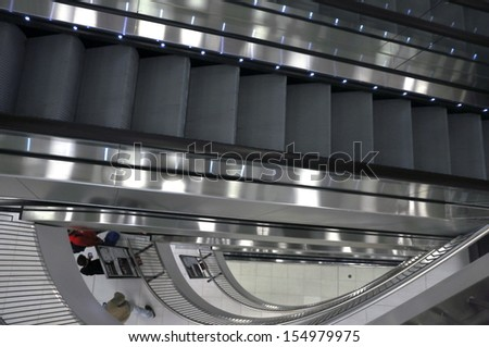 long escalators in shopping center