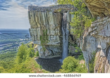 LOOKOUT MOUNTAIN, GEORGIA - JULY 20th:  Lovers Leap on July 20, 2016 in Lookout Mountain, Georgia. Part of the Rock City attraction, it is claimed that the view encompasses 7 states.