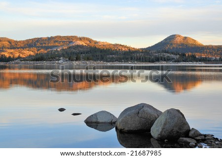 Loon Lake in the California Sierra Nevada mountains