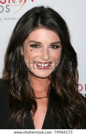 LOS ANGELES - APR 9:  Shenae Grimes arriving at the 32nd Annual College Television Awards at Renaissance Hotel Hollywood  on April 9, 2011 in Los Angeles, CA