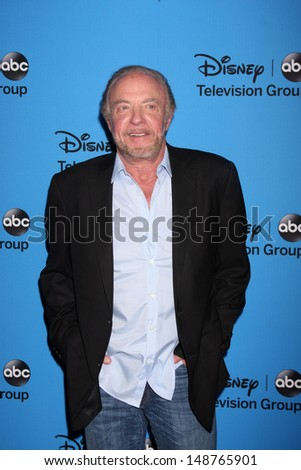 LOS ANGELES - AUG 4:  James Caan arrives at the ABC Summer 2013 TCA Party at the Beverly Hilton Hotel on August 4, 2013 in Beverly Hills, CA