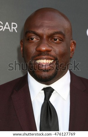 "LOS ANGELES - AUG 29:  Omar J Dorsey at the Premiere Of OWN's ""Queen Sugar"" at the Warner Brothers Studios on August 29, 2016 in Burbank, CA"